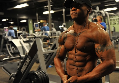 スミスマシンは筋肉を限界まで安全に追い込める