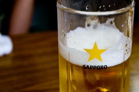 筋トレ後の食事にアルコールを避けるべき理由