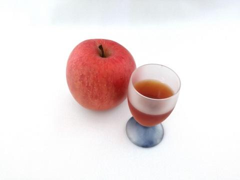 リンゴ酢はやさしい口当たりでも健康効果は一緒