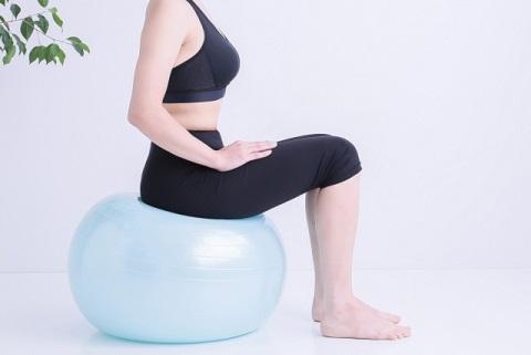 バランスボールを使った3種の体幹トレーニング