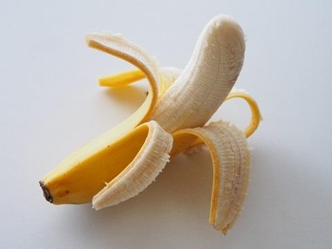 「朝にバナナは食べない方が良い」は嘘?本当?