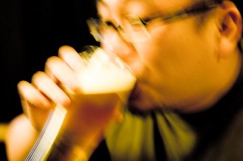便秘に効く飲み物はビールとハチミツ牛乳だった