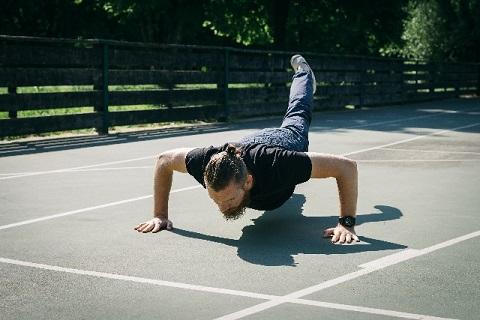 体幹を鍛えるときは呼吸を意識することが大切