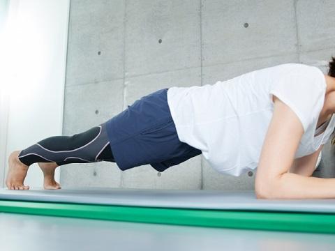 内臓脂肪を減らすためには体幹を鍛えると効果的