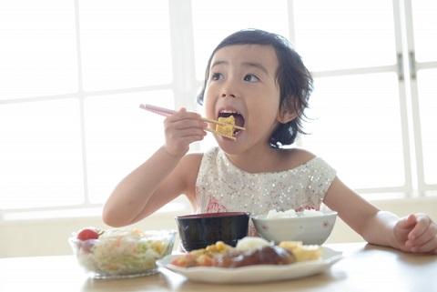 皮下脂肪を落とすなら朝ごはんをしっかり食べる