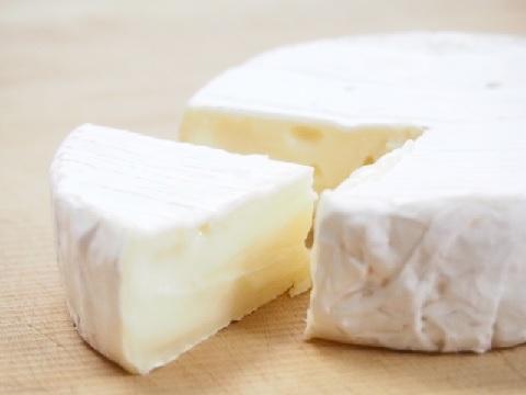 認知症予防の食事にはカマンベールチーズがイイ