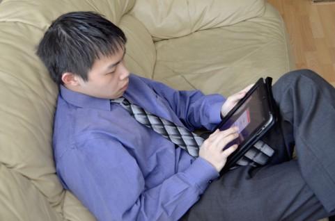 腰痛予防には高い椅子より低い椅子を選ぶべし