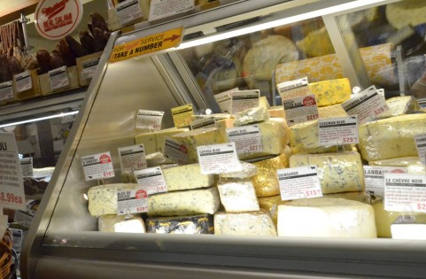 内臓脂肪の落とし方は食前にチーズを食べるだけ