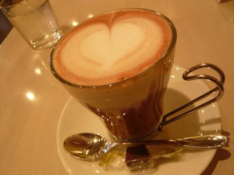不溶性食物繊維が豊富なココア2杯で便秘解消
