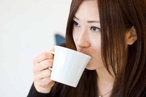 ココナッツオイルはコーヒーに溶かして飲む