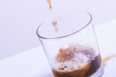 中性脂肪を下げるなら清涼飲料の表示は要注意