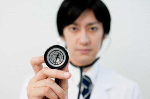 健康診断の結果が再検査の人は受けないと危険
