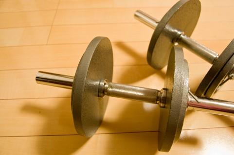 筋肉痛になる筋トレ動作はダンベルを下ろすとき