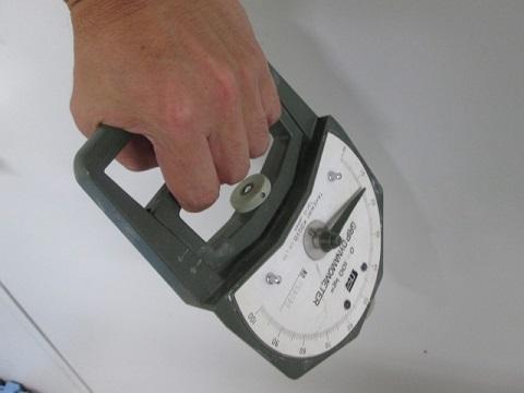 握力計を30%の力で2分ほど握ると高血圧が治る