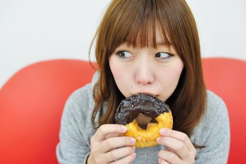 運動後の食事に甘いものを食べても意味がない