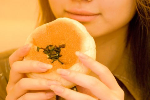 食べても太らない人は皮下脂肪の許容量が小さい