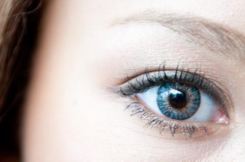 網膜剥離の症状として出る悪い飛蚊症の見分け方