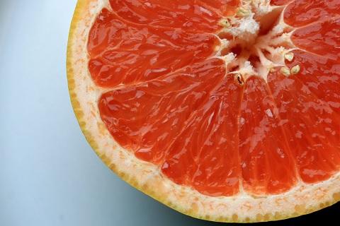 グレープフルーツの切り方は茹でて冷やすと簡単