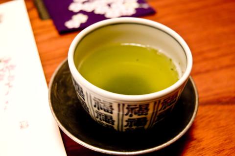 低血圧には食事のあとの1杯のお茶が効果的