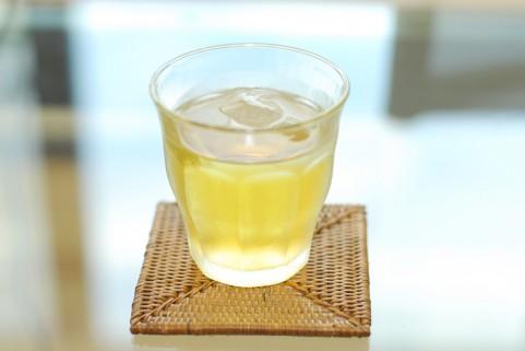 不眠症改善には「水出し緑茶」が効果があった