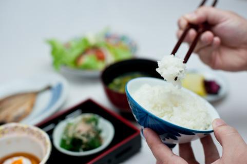 筋トレの食事「前・中・後」で摂るべき栄養