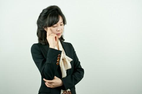 脳の活性化には利き手の反対の手でお手玉をする