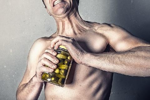 大胸筋の下部を強化するとバストが上向きになる