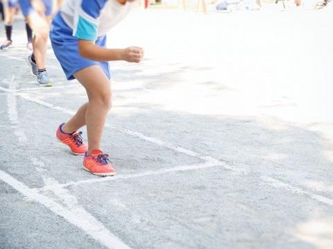 シシー・スクワットで走るときの踏み出しを強化
