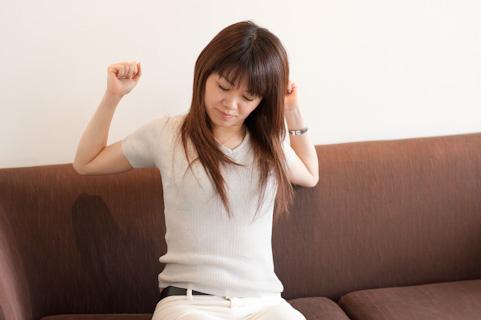 筋膜をはがしで肩こりを解消するS字の動きとは