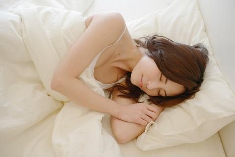 よく寝る方法には「よい寝返り」が不可欠だった