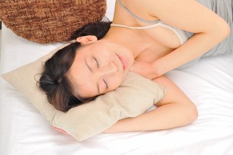 質の良い睡眠のための正しい寝姿勢を保つ寝具
