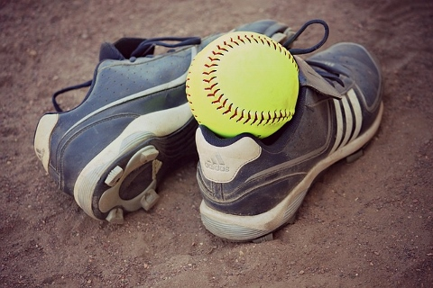 梨状筋ストレッチはソフトボールで臀中を刺激