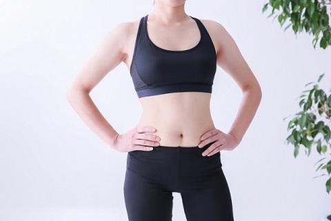 女性が腹筋を鍛えると成長ホルモンで肌スベスベ