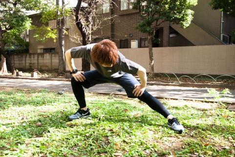 腸腰筋ストレッチは「腰割り」なら簡単にできる