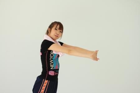 ゾンビ体操は上半身のイヤイヤ運動がポイント