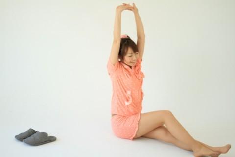 腹直筋を鍛える腹筋運動は腰を支点にしちゃダメ