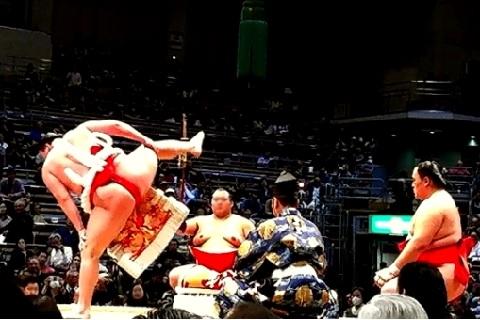 大腰筋の筋トレに相撲の四股踏みが効果的だった