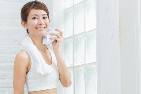 腹筋をまんべんなく鍛えるための2種のクランチ