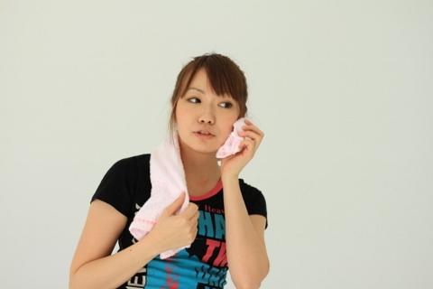 腹筋を割るなら「汗腺トレーニング」は外せない
