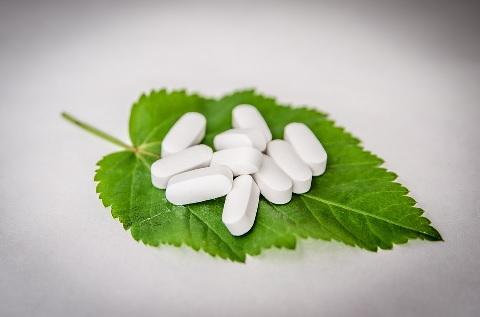 ビタミンCのサプリメントは食事の後に飲むべし