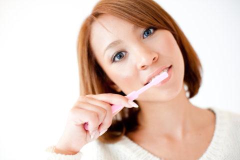 歯磨きの時間帯は夜寝る前と朝起きてすぐが重要