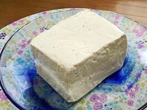筋トレの食事の豆腐は絹ごしと木綿で栄養が違う