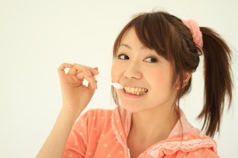 歯磨き時間は起きてすぐにするのが理想的な理由