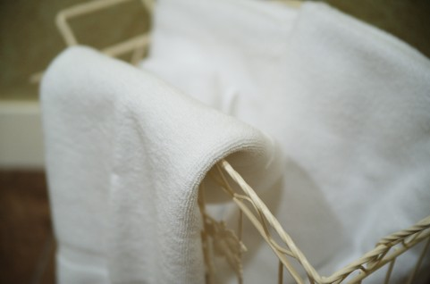 骨盤底筋トレーニングはタオルと椅子を用意する
