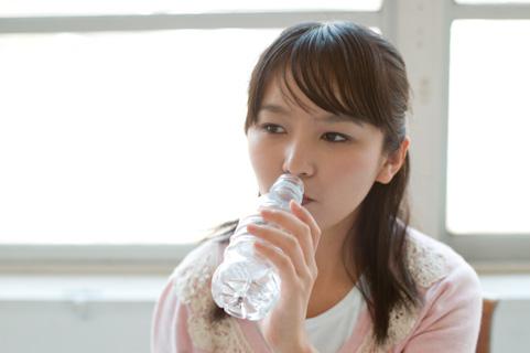 インフルエンザ予防に水1.5リットルを毎日飲む