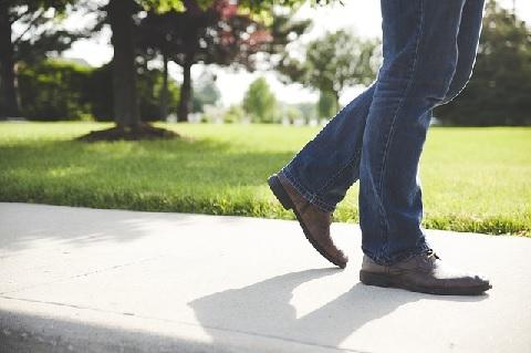 内臓脂肪を減らす「歩く」を運動に変える方法