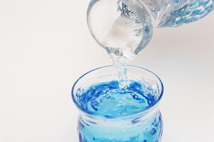 水分補給のスポドリ「ぶどう糖果糖液糖」を選ぶ