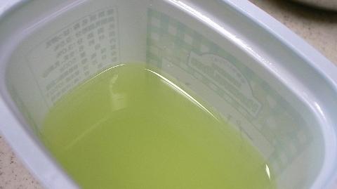 筋肉をつける食事にヨーグルト表面の液体を摂取